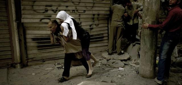 (www.flickr.com)  Humanitární katastrofa a obležení Přesvědčováním západního světa, že syrská vláda pod vedením Asáda je odpovědná za obléhání Aleppa,...