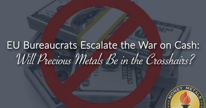 Autor Měnových válek: Proč se daří válce proti hotovosti?