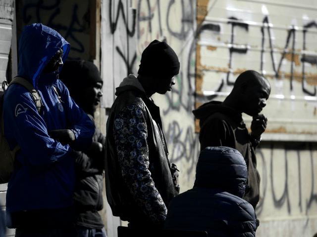 Pro-migrační skupiny si stěžují na 'nedostatečnou ziskovost' po Salviniho krácení výdajů