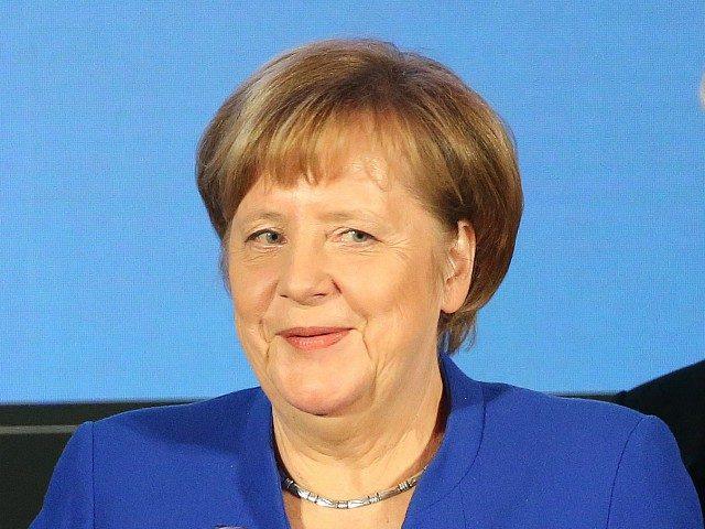 Musíme se postavit 'excesům jako populismus a národovectví,' vyhlásila Merkelová