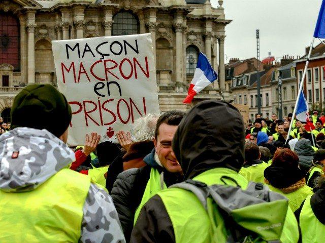 Popularita Žlutých vest ve Francii zas narůstá, zatímco protesty nabývají na síle