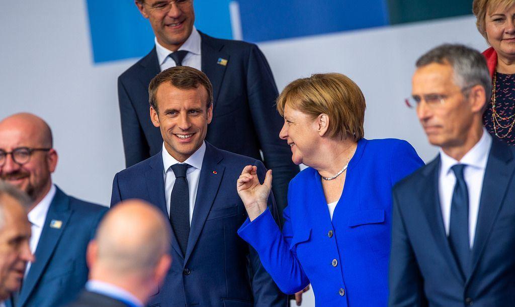 Merkelová s Macronem zaplácávají náplastí pukliny drolící se Evropy