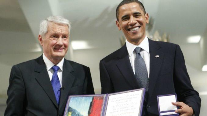 Šéf Nobela říká, že 'hluboce lituje' udělení této ceny Obamovi