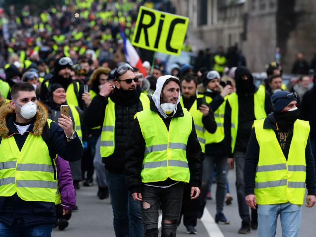 80 procent Francouzů podporuje návrh Žlutých vest na iniciovaná referenda