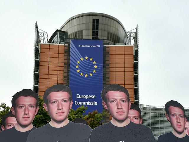 Facebook před eurovolbami hromadně zavírá pro-populistické italské stránky