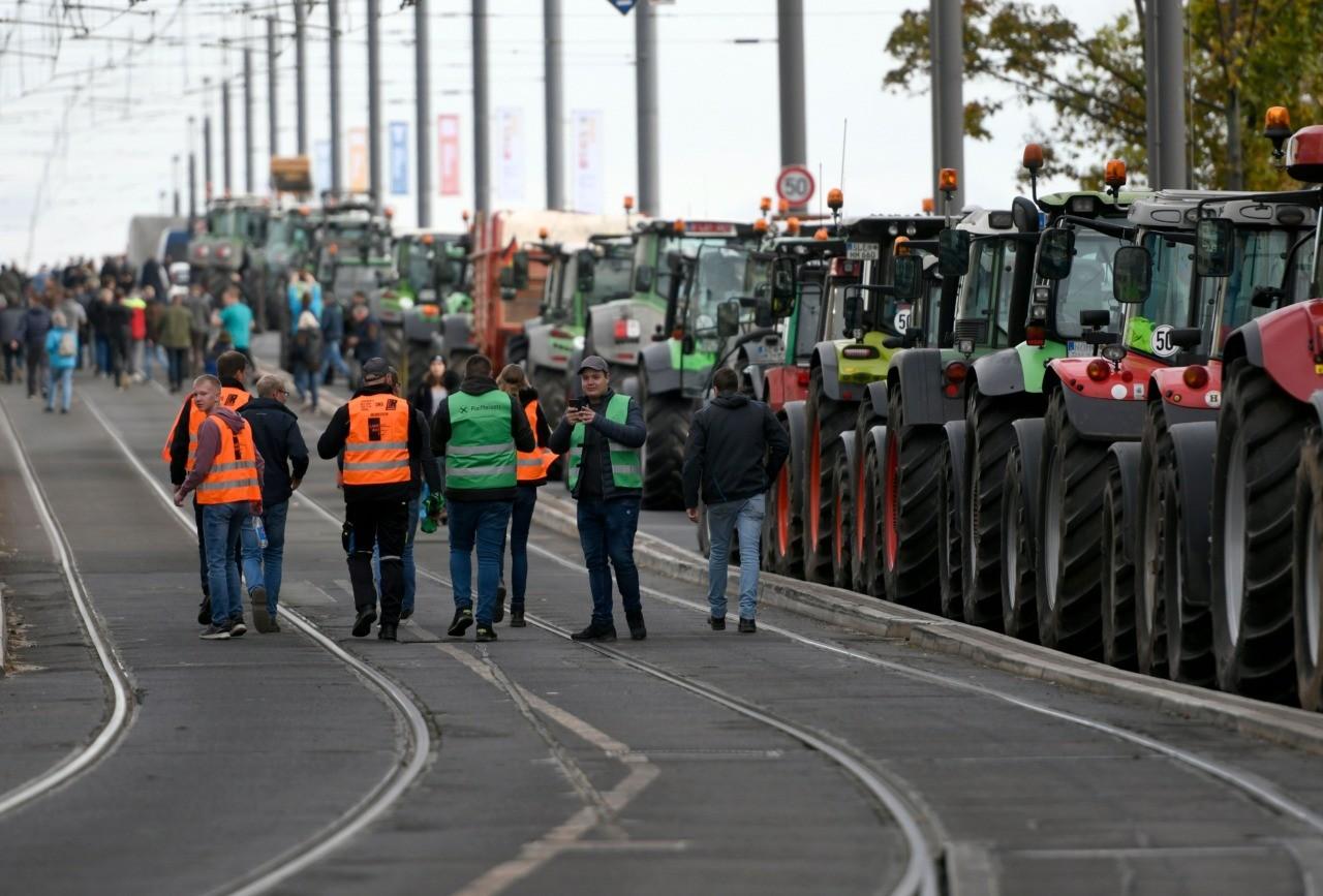 Sedláci v Německu protestují proti eko-teroristům